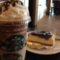 Photo taken at Starbucks by LunLa L. on 8/25/2012