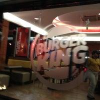 Photo taken at Burger King by Vitoria on 7/26/2012