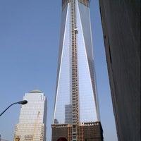 Photo taken at Verizon by Ilan E. on 8/9/2012