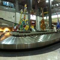 Photo taken at Baggage Claim 1 by Guy T. on 3/14/2012