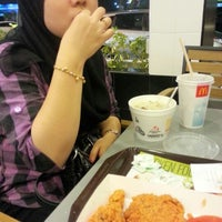 Photo taken at McDonald's / McCafé by Fidz L. on 6/18/2012
