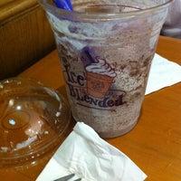 Photo taken at The Coffee Bean & Tea Leaf by Carmen F. on 3/20/2012