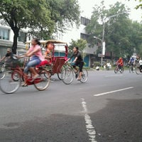 Photo taken at Solo Car Free Day by Erika Nurmalita S. on 3/17/2012