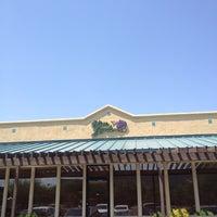Photo taken at Olive Garden by RenyaDeDulce on 8/14/2012