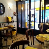 Photo taken at Drôle d'Endroit pour une Rencontre by Richard Y. on 2/29/2012