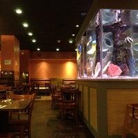 Photo taken at Le's Vietnamese Restaurant by Steve on 8/19/2012