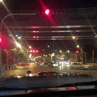 Photo taken at Tha Phra Intersection by kader 9. on 9/2/2012