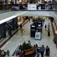 Photo taken at Brent Cross Shopping Centre by Irinka A. on 8/16/2012