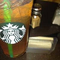 Photo taken at Starbucks by Duvan G. on 4/10/2012