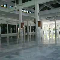 Photo taken at Masjid Alang Iskandar KDSK by Firdaus B. on 9/1/2012