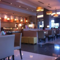 Photo taken at Kenny Rogers Roasters by Patrick T. on 2/18/2012