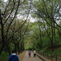 Photo taken at 월미공원 by soonji emerentiana on 5/2/2012
