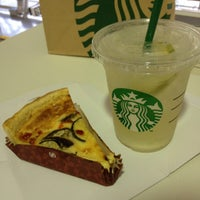 Photo taken at Starbucks Coffee 関西国際空港エアサイド店 by ใหม่ A. on 7/28/2012