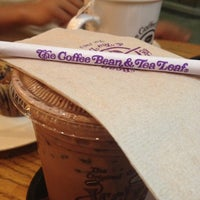 Photo taken at The Coffee Bean & Tea Leaf by James E. on 8/24/2012