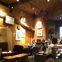Photo taken at ギャラリーカフェバー 縁縁 (enyen) by BJJrunner on 6/14/2012
