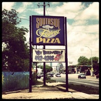 Photo taken at Southside Flying Pizza by Matt on 5/11/2012