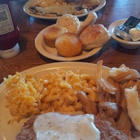 Photo taken at Cracker Barrel Old Country Store by PetroBoi on 3/17/2012