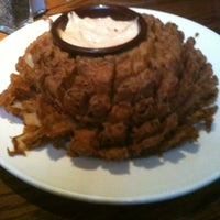 Photo taken at Outback Steakhouse by J.P. on 2/25/2012
