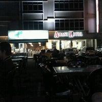 Photo taken at Restoran Nasi Ulam by Azlan A. on 3/23/2012