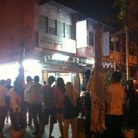 Photo taken at Nasi Kandar Beratur by Nurul A. on 5/8/2012
