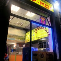 Photo taken at Istanbul Bosforo Kebap & Pizza by Massy V. on 8/3/2012