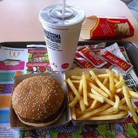 Photo taken at McDonald's by Alexandre S. on 2/22/2012