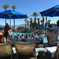 Photo taken at JW Marriott Oasis Bar And Grille by Jonathan C. on 6/16/2012
