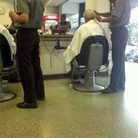 Photo taken at Barbearia do Onofre by Jayron A. on 4/10/2012