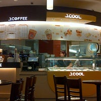 Photo taken at J.CO Donuts & Coffee by Leon Q. on 7/3/2012
