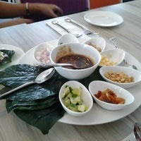 Photo taken at Restaurant Soi Thai by Ferdaus M. on 5/8/2012