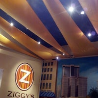 Photo taken at Ziggy's Burgers by Donato Salvatore P. on 7/20/2012