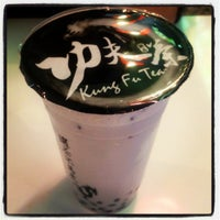 Photo taken at Kung Fu Tea (功夫茶) by Wil S. on 4/28/2012