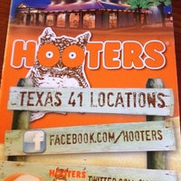 Photo taken at Hooters by Bernardo S. on 5/25/2012