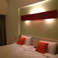 Photo taken at HARRIS Hotel & Conventions Kelapa Gading by Bo N. on 4/21/2012