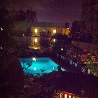 Photo taken at DoubleTree by Hilton Hotel Torrance - South Bay by Toshi ⚾. on 7/26/2012