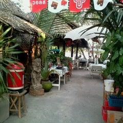 Photo taken at เรือนลำพู นั่งจ้อ by Kung K. on 5/13/2012