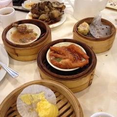 Photo taken at Bamboo Garden Restaurant by Igor S. on 3/11/2012