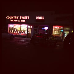 Photo taken at Country Sweet Chicken & Ribs by Kaelle R. on 8/19/2012