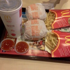 Photo taken at McDonald's by Evanicca S. on 2/23/2012