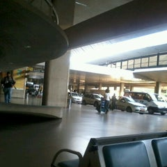 Photo taken at Conexão Aeroporto by Felipe P. on 4/6/2012