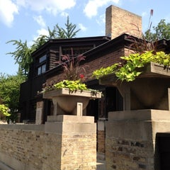 Photo taken at Frank Lloyd Wright Home and Studio by Chris N. on 7/6/2012