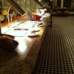 Photo taken at Barron's - Sheraton Gunter Hotel by Johnnie W. on 3/16/2012