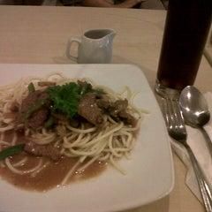 Photo taken at Mr. Pancake by dina h. on 7/15/2012