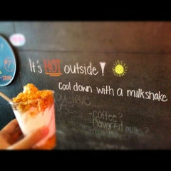 Photo taken at Momofuku Milk Bar by @JuliusOCloset o. on 7/7/2012
