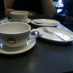 Photo taken at Eetwinkel Geniet by Janneke K. on 8/31/2012