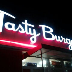 Photo taken at Tasty Burger by Laura Lee on 8/20/2012