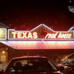 Photo taken at Texas Roadhouse by Karl on 3/3/2011