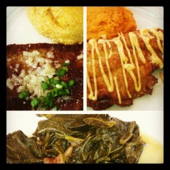 Photo taken at Lucky 32 Southern Kitchen by Jess M. on 8/23/2012