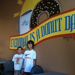 Photo taken at Every Day Is A Donut Day by Matt M. on 9/5/2011