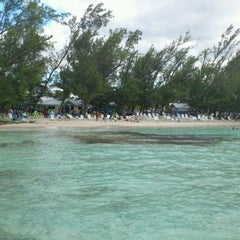Photo taken at The Wreck Bar - Rum Point by Michael K. on 1/1/2011